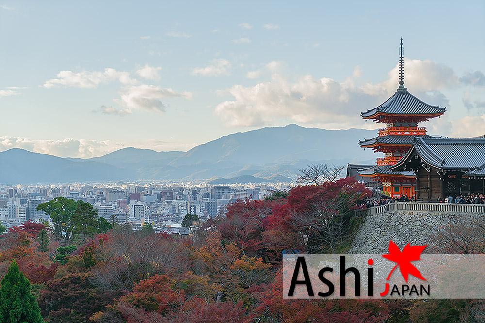 ถ่ายวิวเมืองเกียวโตจากจุดชมวิววัดน้ำใสบ้าง